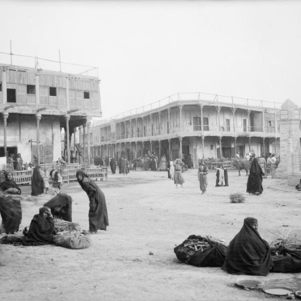 Street and townspeople, April 1909, Kerbala - Iraq,Album K 1909 - Iraq. © Ian Johnson_Mark Jackson, New Castle University